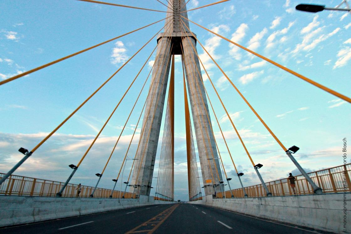 Ponte por Leonardo Blasch